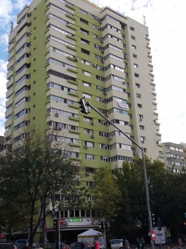 Apartament vanzare Delfinului cu 2 camere, etajul 9 / 17, 1 grup sanitar, cu suprafata de 68 mp. Bucuresti, zona Delfinului.