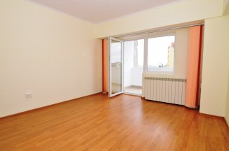 http://realkom.ro/anunt/vanzari-apartamente/realkom-agentie-imobiliara-unirii-apartament-2-camere-de-vanzare-in-zona-unirii-piata-alba-iulia/1353