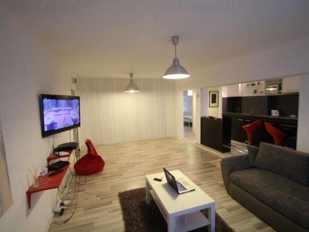 inchiriere Apartament Bucuresti cu 2 camere, cu 1 grup sanitar, suprafata utila 70 mp. Pret: 500 euro negociabil. Incalzire: Centrala proprie a cladirii. Racire: Aer conditionat.