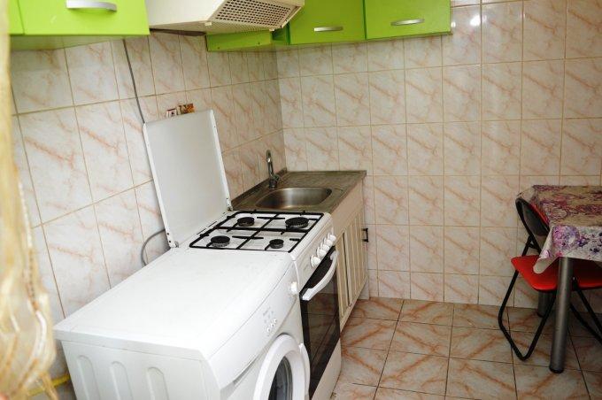 http://realkom.ro/anunt/inchirieri-apartamente/realkom-agentie-imobiliara-decebal-oferta-inchiriere-apartament-2-camere-decebal-zvon-cafe/1614