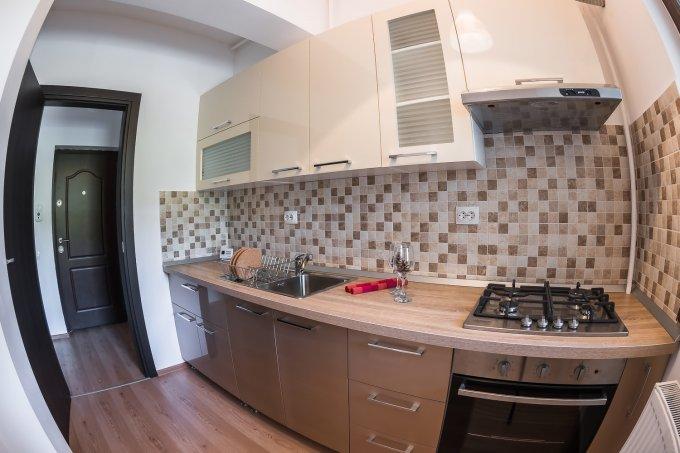 inchiriere Apartament Bucuresti cu 2 camere, cu 1 grup sanitar, suprafata utila 50 mp. Pret: 380 euro. Incalzire: Centrala proprie a locuintei. Racire: Aer conditionat.