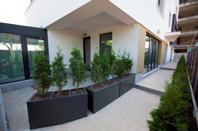 Apartament de vanzare in Bucuresti cu 2 camere, cu 1 grup sanitar, suprafata utila 64 mp. Pret: 89.500 euro. Usa intrare: Metal. Usi interioare: Lemn.