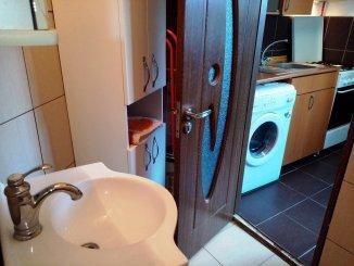 proprietar vand apartament semidecomandat, in zona Dorobanti, orasul Bucuresti