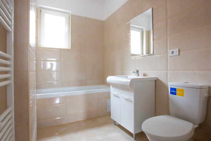 Apartament de vanzare direct de la dezvoltator imobiliar, in Bucuresti, in zona Metalurgiei, cu 51.000 euro. 1  balcon, 1 grup sanitar, suprafata utila 66 mp.
