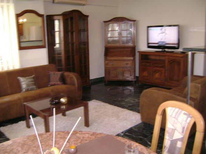 Apartament de inchiriat direct de la agentie imobiliara, in Bucuresti, in zona Dorobanti, cu 550 euro. 1  balcon, 1 grup sanitar, suprafata utila 67 mp. Mobilat lux.