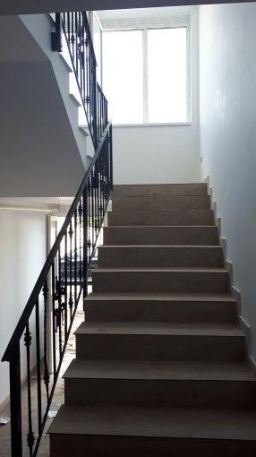 Apartament inchiriere Bucuresti 2 camere, suprafata utila 64 mp, 1 grup sanitar, 1  balcon. 350 euro. Etajul 1 / 2. Destinatie: Rezidenta, Birou. Apartament 1 Decembrie 1918 Bucuresti