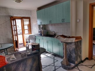 proprietar inchiriez apartament decomandat, in zona Piata Unirii, orasul Bucuresti