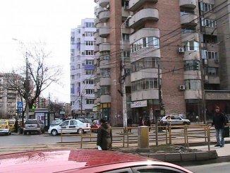 vanzare apartament cu 2 camere, semidecomandata, in zona 1 Mai, orasul Bucuresti