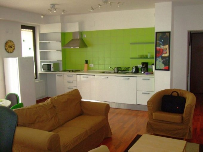 agentie imobiliara vand apartament semidecomandata, in zona Stefan cel Mare, orasul Bucuresti