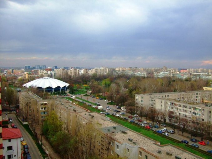 vanzare apartament semidecomandata, zona Stefan cel Mare, orasul Bucuresti, suprafata utila 70 mp