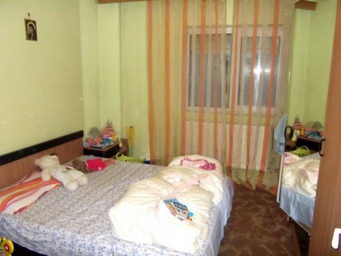 vanzare apartament cu 2 camere, decomandat, in zona Tineretului, orasul Bucuresti