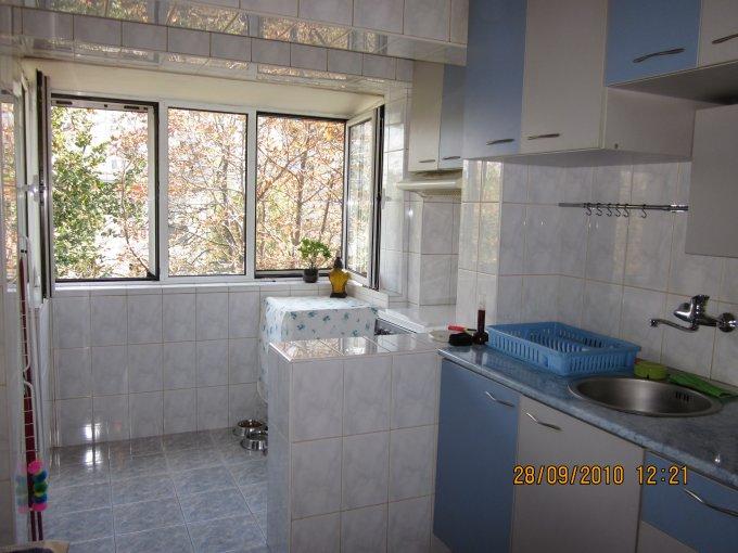 agentie imobiliara vand apartament decomandat, in zona Basarabia, orasul Bucuresti