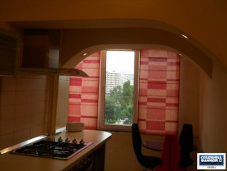 vanzare apartament cu 2 camere, decomandat, in zona Unirii, orasul Bucuresti