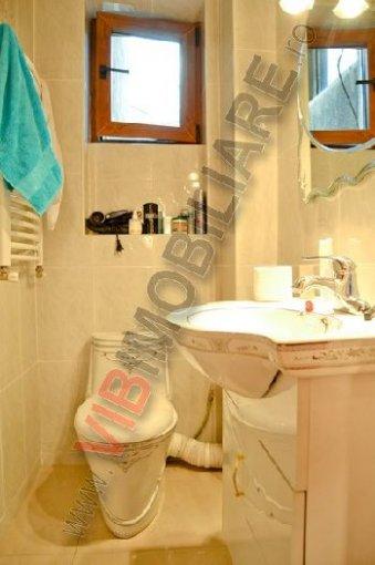 vanzare apartament decomandat, zona Universitate, orasul Bucuresti, suprafata utila 85 mp