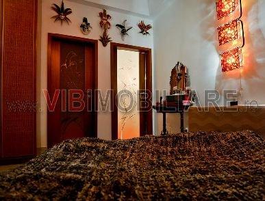 vanzare apartament cu 2 camere, decomandat, in zona Universitate, orasul Bucuresti