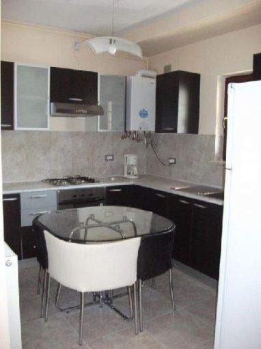 agentie imobiliara vand apartament decomandat, in zona Dorobanti, orasul Bucuresti