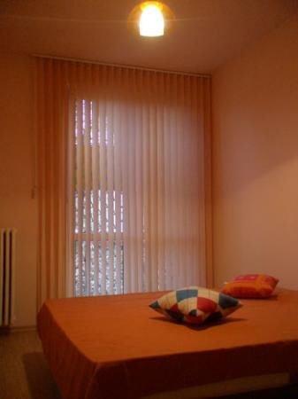 agentie imobiliara vand apartament decomandat, in zona Campia Libertatii, orasul Bucuresti