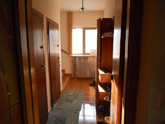 inchiriere Spatiu comercial 180 mp cu 3 incaperi, 3 grupuri sanitare, zona Primaverii, orasul Bucuresti