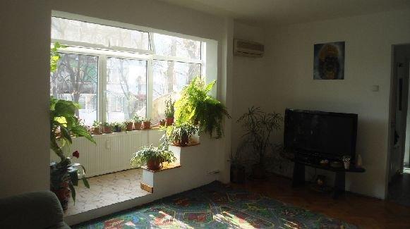 agentie imobiliara vand apartament semidecomandat, in zona Alexandru Obregia, orasul Bucuresti