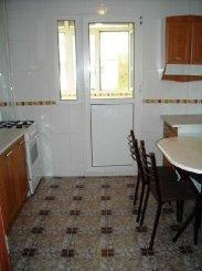 vanzare apartament semidecomandat, zona Aparatorii Patriei, orasul Bucuresti, suprafata utila 70 mp