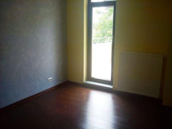agentie imobiliara inchiriez apartament decomandat, in zona Damaroaia, orasul Bucuresti