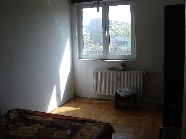 agentie imobiliara inchiriez apartament semidecomandat, in zona Basarabia, orasul Bucuresti