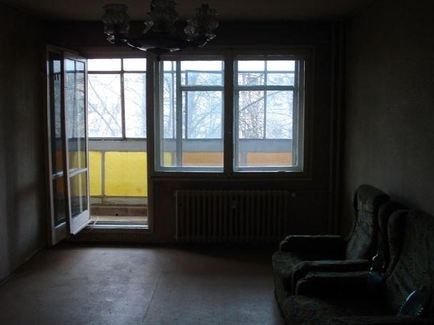agentie imobiliara inchiriez apartament decomandat, in zona Titan, orasul Bucuresti