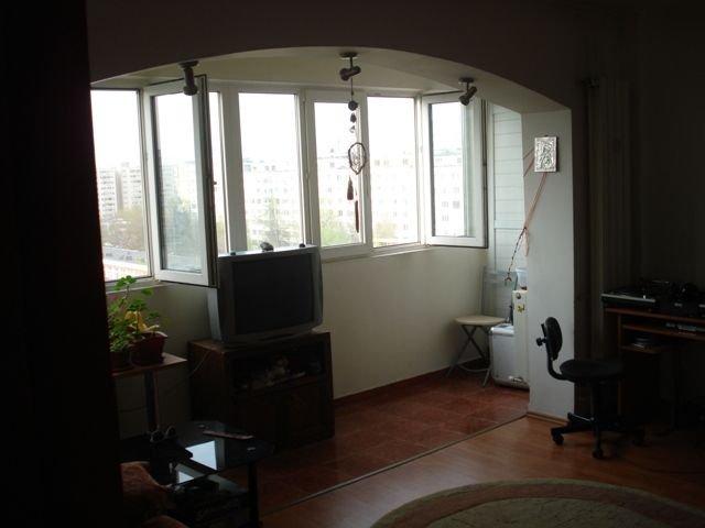 inchiriere apartament cu 3 camere, semidecomandat, in zona Titan, orasul Bucuresti