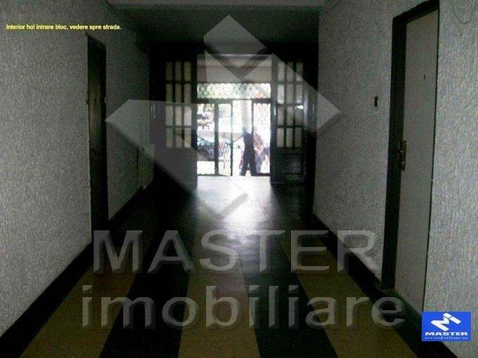 agentie imobiliara vand apartament decomandat, in zona Lahovari, orasul Bucuresti