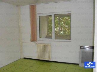 vanzare apartament cu 3 camere, decomandat, in zona Nerva Traian, orasul Bucuresti
