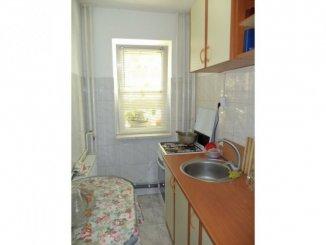 vanzare apartament semidecomandat, zona Constructorilor, orasul Bucuresti, suprafata utila 60 mp