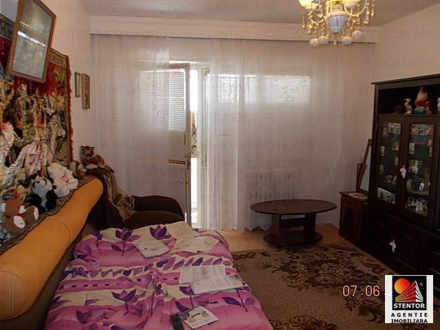 vanzare apartament semidecomandat, zona Militari, orasul Bucuresti, suprafata utila 65 mp