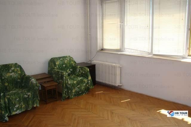 Bucuresti, zona Grivita, apartament cu 3 camere de inchiriat, Nemobilat