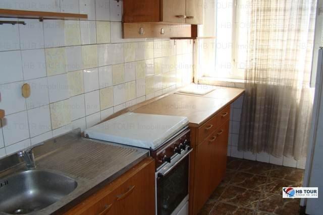 inchiriere apartament cu 3 camere, semidecomandat, in zona Grivita, orasul Bucuresti
