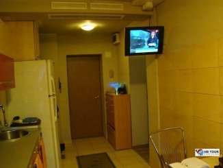 Bucuresti, zona Crangasi, apartament cu 3 camere de inchiriat, Mobilat