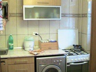 vanzare apartament cu 3 camere, semidecomandata, in zona Chibrit, orasul Bucuresti