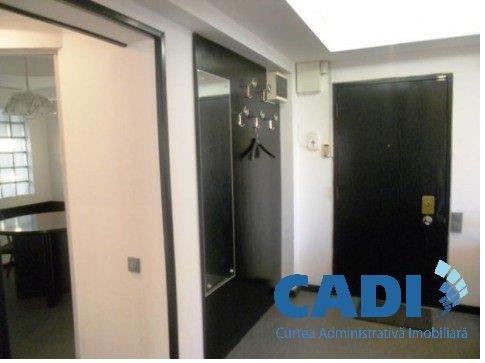 agentie imobiliara vand apartament decomandat, in zona Nerva Traian, orasul Bucuresti