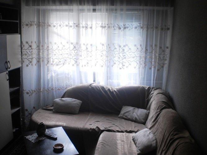 vanzare apartament cu 3 camere, decomandat, in zona Lacul Tei, orasul Bucuresti