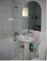 vanzare apartament semidecomandat, zona 13 Septembrie, orasul Bucuresti, suprafata utila 70 mp