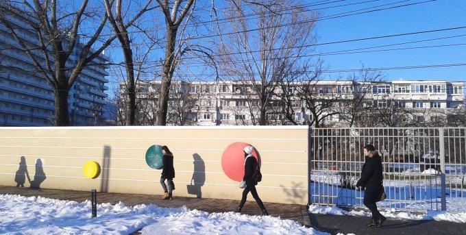 vanzare Apartament Bucuresti cu 3 camere, cu 1 grup sanitar, suprafata utila 74 mp. Pret: 51.900 euro. Incalzire: Centrala proprie a locuintei.