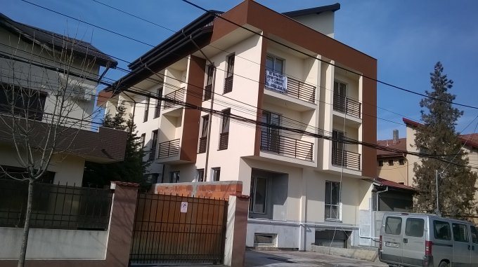 vanzare Apartament Bucuresti cu 3 camere, cu 1 grup sanitar, suprafata utila 80 mp. Pret: 88.000 euro negociabil.