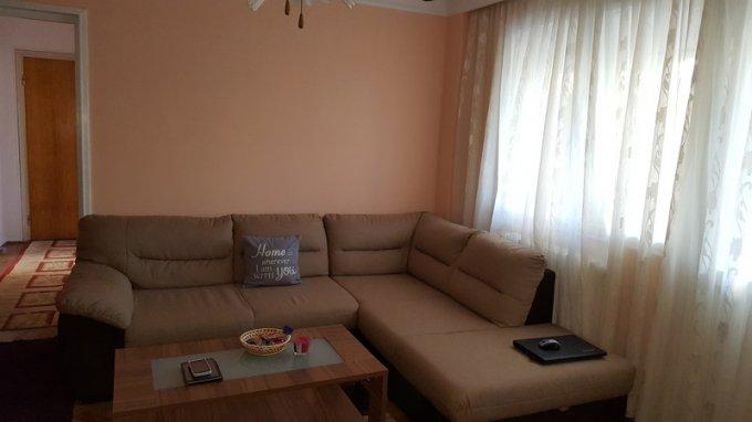 vanzare Apartament Bucuresti cu 3 camere, cu 1 grup sanitar, suprafata utila 71 mp. Pret: 70.000 euro negociabil.