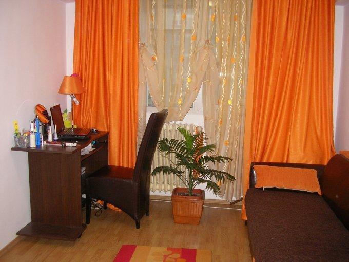 Apartament inchiriere Drumul Taberei cu 3 camere, etajul 4 / 10, 1 grup sanitar, cu suprafata de 65 mp. Bucuresti, zona Drumul Taberei. Mobilat.