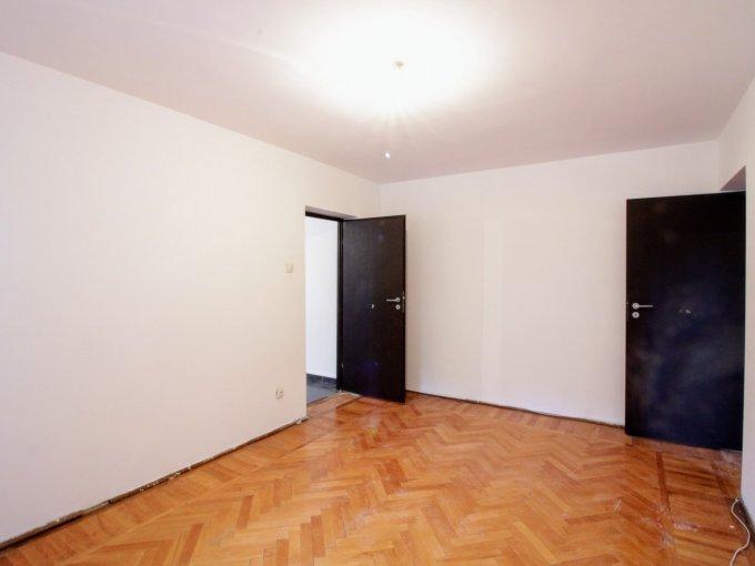 Apartament de vanzare direct de la agentie imobiliara, in Bucuresti, in zona Piata Muncii, cu 69.000 euro. 1  balcon, 1 grup sanitar, suprafata utila 60 mp.