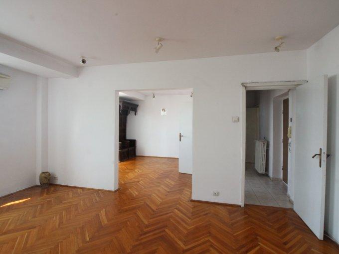 Apartament vanzare Piata Universitatii cu 3 camere, etajul 9 / 10, 1 grup sanitar, cu suprafata de 66 mp. Bucuresti, zona Piata Universitatii.