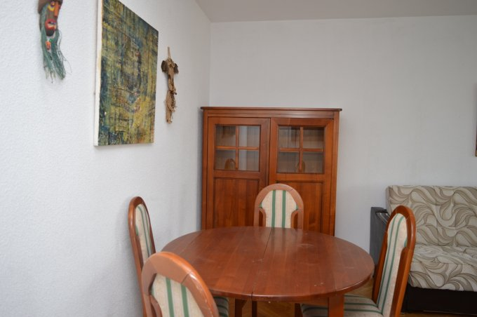 http://www.realkom.ro/anunt/inchirieri-apartamente/realkom-agentie-imobiliara-unirii-oferta-inchiriere-apartament-3-camere-unirii-palatul-parlamentului/1936