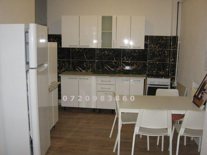 Apartament inchiriere Bucuresti 3 camere, suprafata utila 80 mp, 2 grupuri sanitare, 1  balcon. 500 euro. Etajul 1 / 6. Apartament Piata Unirii Bucuresti