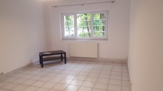 proprietar inchiriez apartament decomandat, in zona Aviatiei, orasul Bucuresti