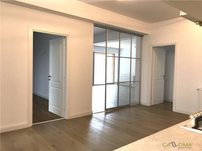 Apartament de vanzare direct de la agentie imobiliara, in Bucuresti, in zona Baneasa, cu 235.000 euro. 2 grupuri sanitare, suprafata utila 115 mp.
