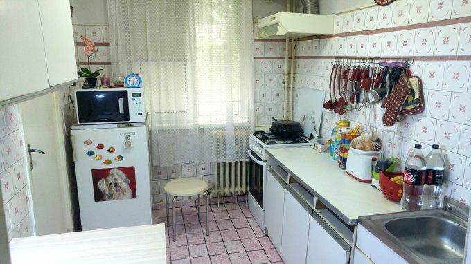 vanzare Apartament Bucuresti cu 3 camere, cu 1 grup sanitar, suprafata utila 63 mp. Pret: 66.900 euro. Incalzire: Incalzire prin termoficare.